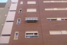 Toldo cofre en vivienda de Vallecas